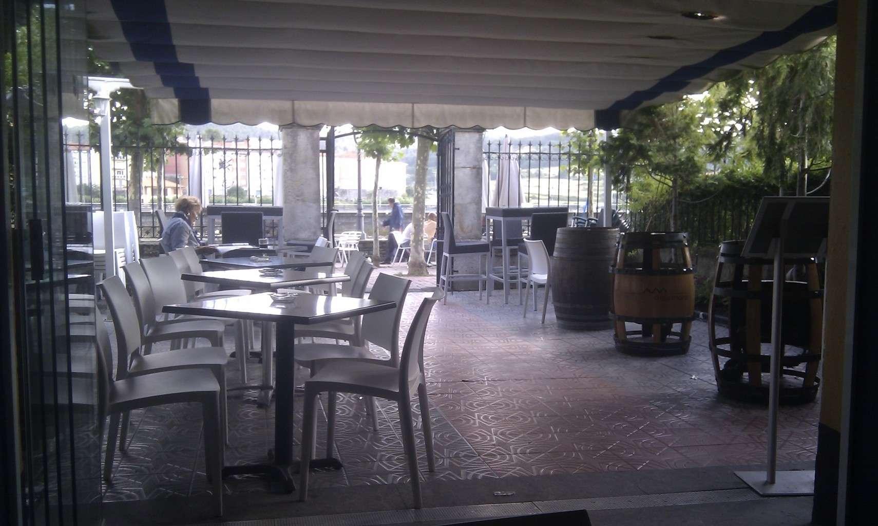 La terraza del hotel uribekosta casa de marinos uribekosta for La terraza de la casa del soldado